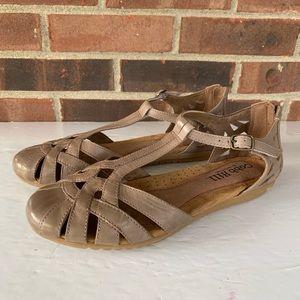 Cobb Hill leather flat sandals